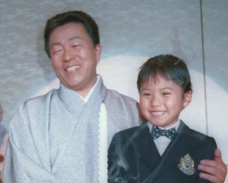 大泉逸郎さんと孫
